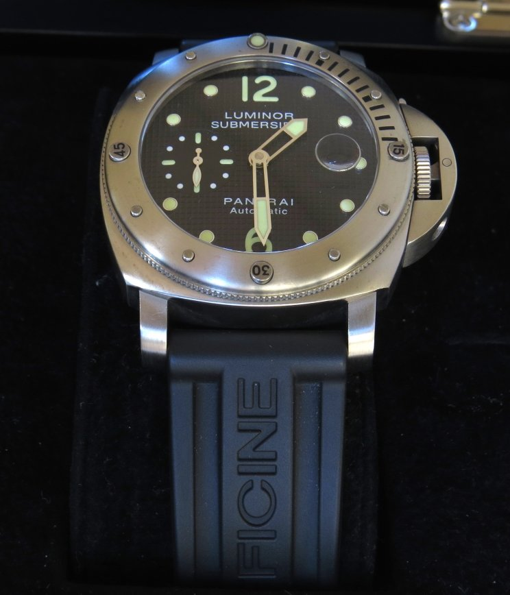 OrologioReplicaItalia-Quadrante-Nero-Panerai-Luminor-Submersible-Replica