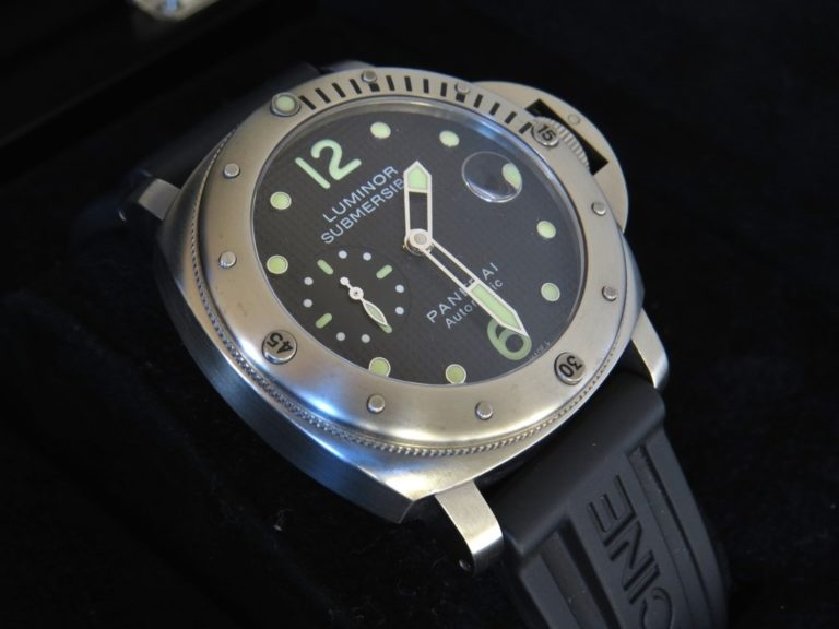 Quadrante-Nero-Panerai-Luminor-Submersible-orologioreplicaitalia.com
